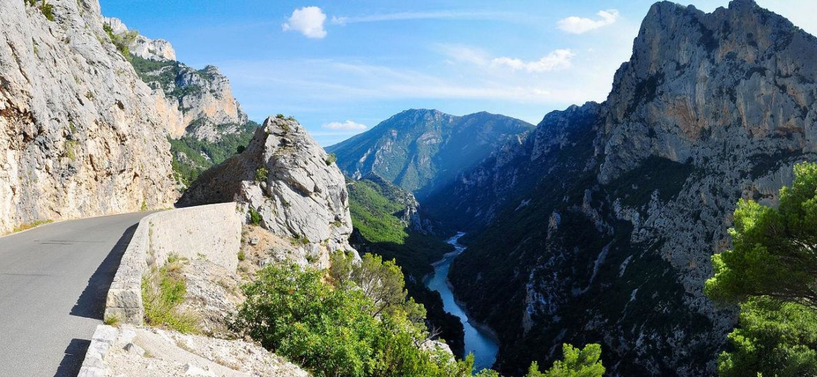 Motorcycle tour in south of france self guided guided - Location gorge du verdon avec piscine ...