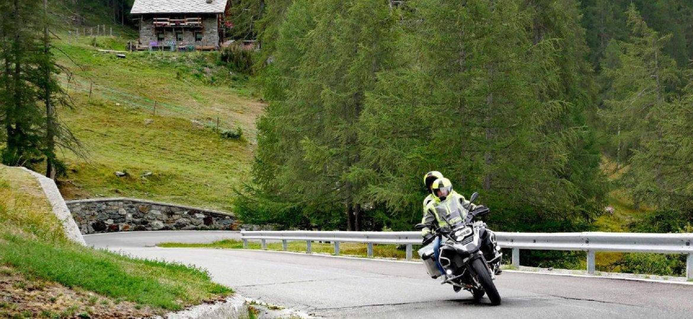 voyage moto france et espagne circuit moto auvergne pyr n es alpes. Black Bedroom Furniture Sets. Home Design Ideas